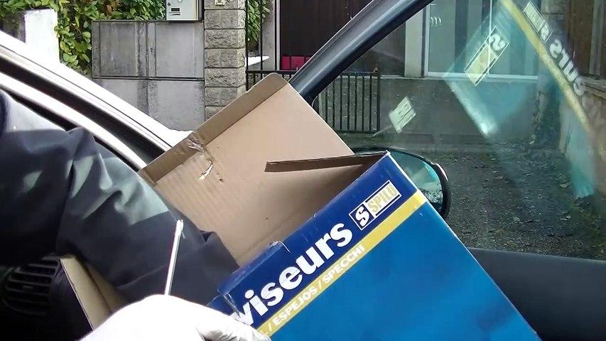 Méthode rapide pour changer un rétroviseur de voiture