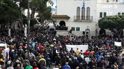 Grèce: près de mille manifestants à Kos contre le hotspot prévu