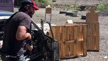 Keanu Reeves s'entraine au tir