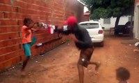 Amputé d'une jambe, il réalise une belle démonstration de capoeira