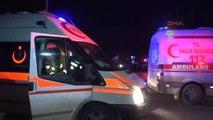 Adana - Otomobil ile Zırhlı Polis Aracı Çarpıştı: 3'ü Polis 6 Yaralı