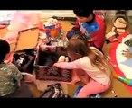 Compilation de réactions d'enfants qui reçoivent un chien pour Noël