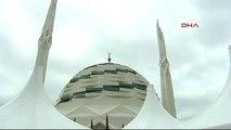 Abdullah Gül Kayınpederini Son Yolculuğuna Uğurluyor