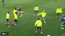 Zinedine Zidane s'amuse avec ses joueurs