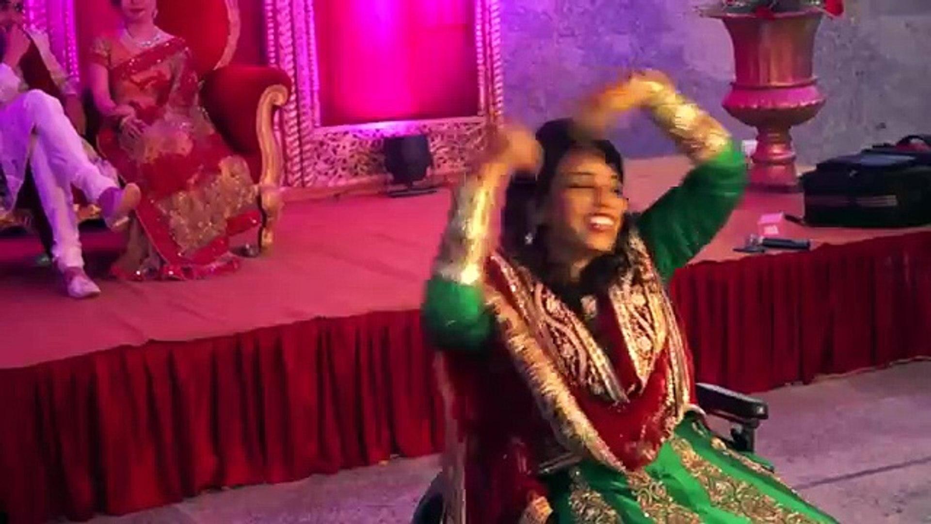 World Record Dance Performance - Chittiyaan Kalaiyaan Best Bollywood Wedding Dance 2016