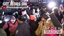 Le rappeur Joey Badass frappe un Cameraman en quittant le défilé de Kanye West, Yeezy Fashion Show in New York