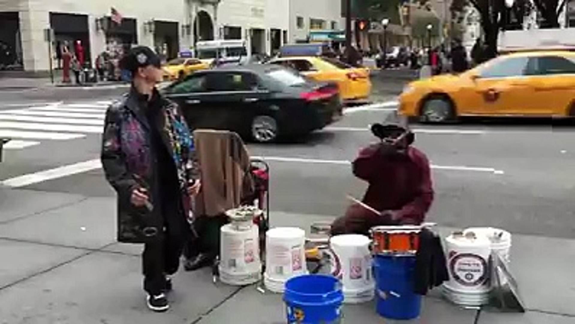 Crazy Dancing to a Street Musician in NYC !! So Cool