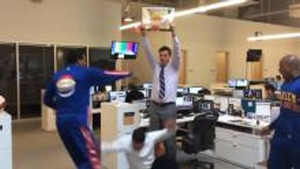 Dunk Cam Globetrotter Style