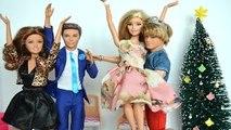 Barbie Leticia no Natal Bolsa estoura Para Chegada do bebe!!! Em Portugues [Parte 48] Tototoykids