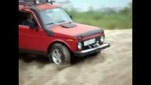 OFF Road 4x4 Toyota Hilux vs Jeep Cherokee vs Lada Niva vs Uaz 469