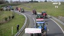 A Rennes, les agriculteurs bretons bloquent la rocade