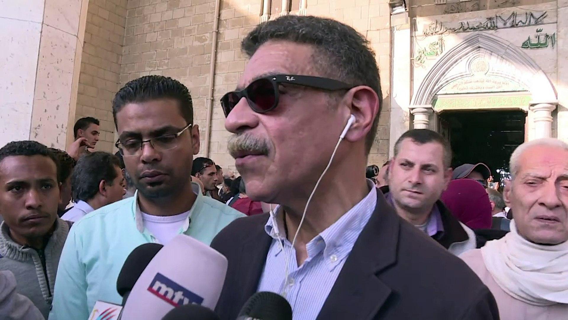 Cairo buries of veteran Egyptian journalist Heikal