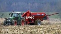 CASE IH 2388 à chenilles à la moisson du maïs en 2010 (harvest of corn in france )