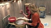 Cours de poterie : faire un vase sur un tour de potier