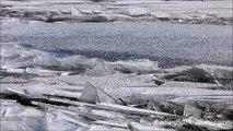 Quand la glace du Lac Supérieur vient s'écraser au bord! Phénomène naturel impressionnant