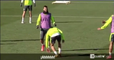 El patadón de Sergio Ramos a Lucas Vázquez preparando el partido frente al Málaga