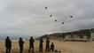Un ballet de cerfs-volants sur la plage