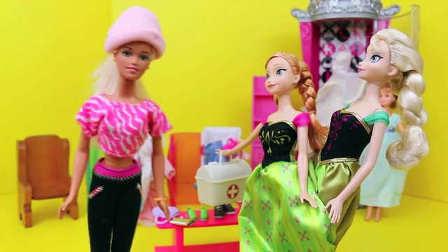 Frozen Elsa & Anna Clothes Shopping with BARBIE!!! Barbie Parody Closet Sitting Part 3 DisneyCarToys