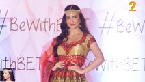 Elli Avram Ramp Walk at Beti Foundation Fashion Show 2016 | Bollywood Celebs