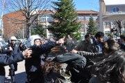 Anadolu Üniversitesi karıştı... Polisten biber gazlı müdahale