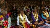 François Hollande s'applaudit tout seul pendant une cérémonie à Wallis-et-Futuna