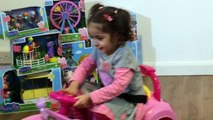 Peppa Pig Giant Egg Surprise - Peppa Pig Toys - Giant Surprise Eggs Unboxing + Kinder Surprise