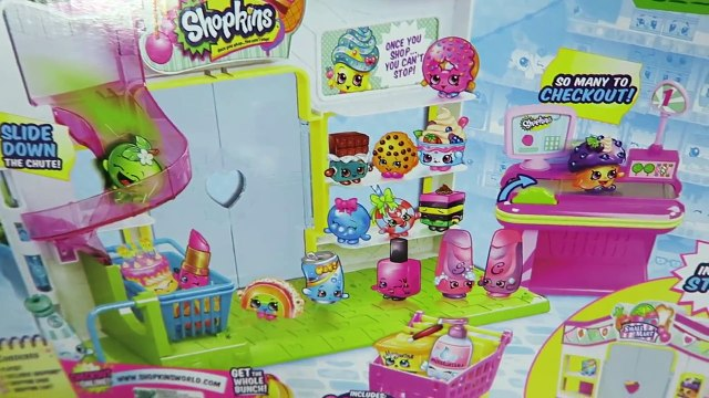 Peppa Pig & Family Shop for Shopkins at the Shopkin Small Mart Toy Playset!