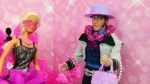 BARBIE GOES TO JAIL ☻Disney Frozen Dolls, Spiderman & Frozen Kids Go To Doll Museum DisneyCarToys
