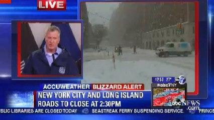 Snowboard dans les rues enneigées de New York