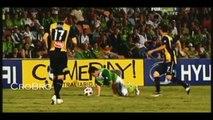 Le clip de football drôle de mieux sur le gazon de Football Drôle