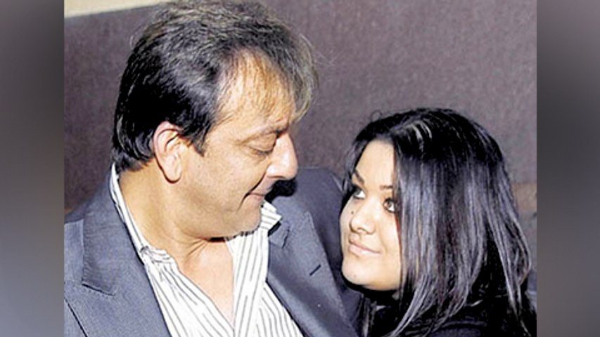 Trishala Dutt Welcomes Sanjay Dutt in a special way!