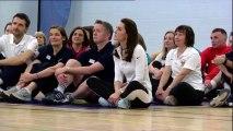 Kate Middleton participe à un atelier tennis avec la mère d'Andy Murray