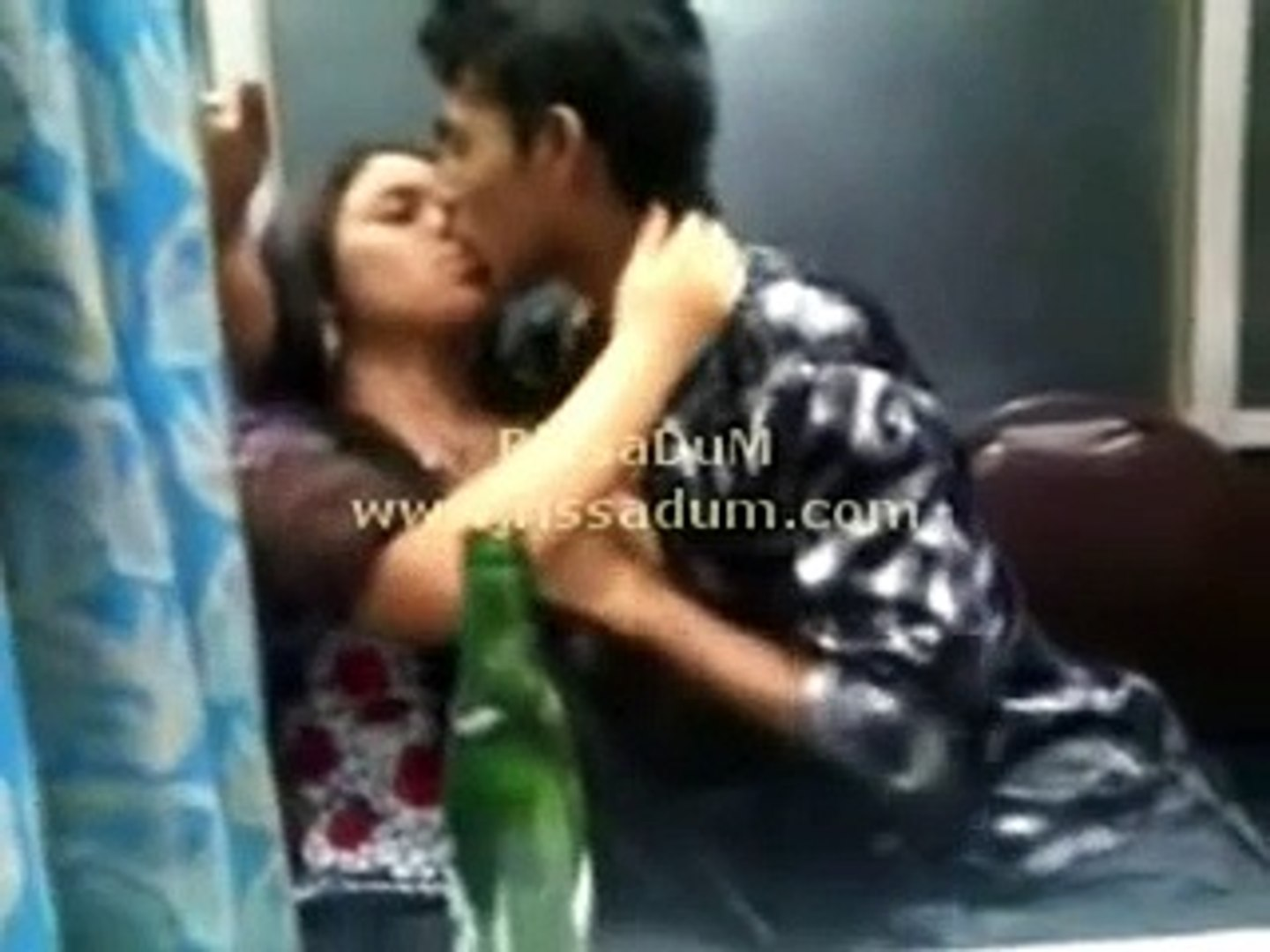 kiss by indian school girl - video dailymotion