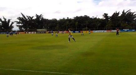 Gol do Cruzeiro em treino