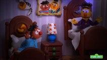 Sesame Street: Bert and Ernie Find An Amazing Frog (Bert and Ernie\\\'s Great Adventures)