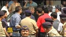 Sanjay Dutt at Mumbai Airport | Bollywood Actor Sanjay Dutt Released from Yerawada Jail
