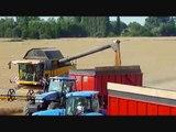 Moisson des blés 2010 avec une New holland cr9080 (in France)