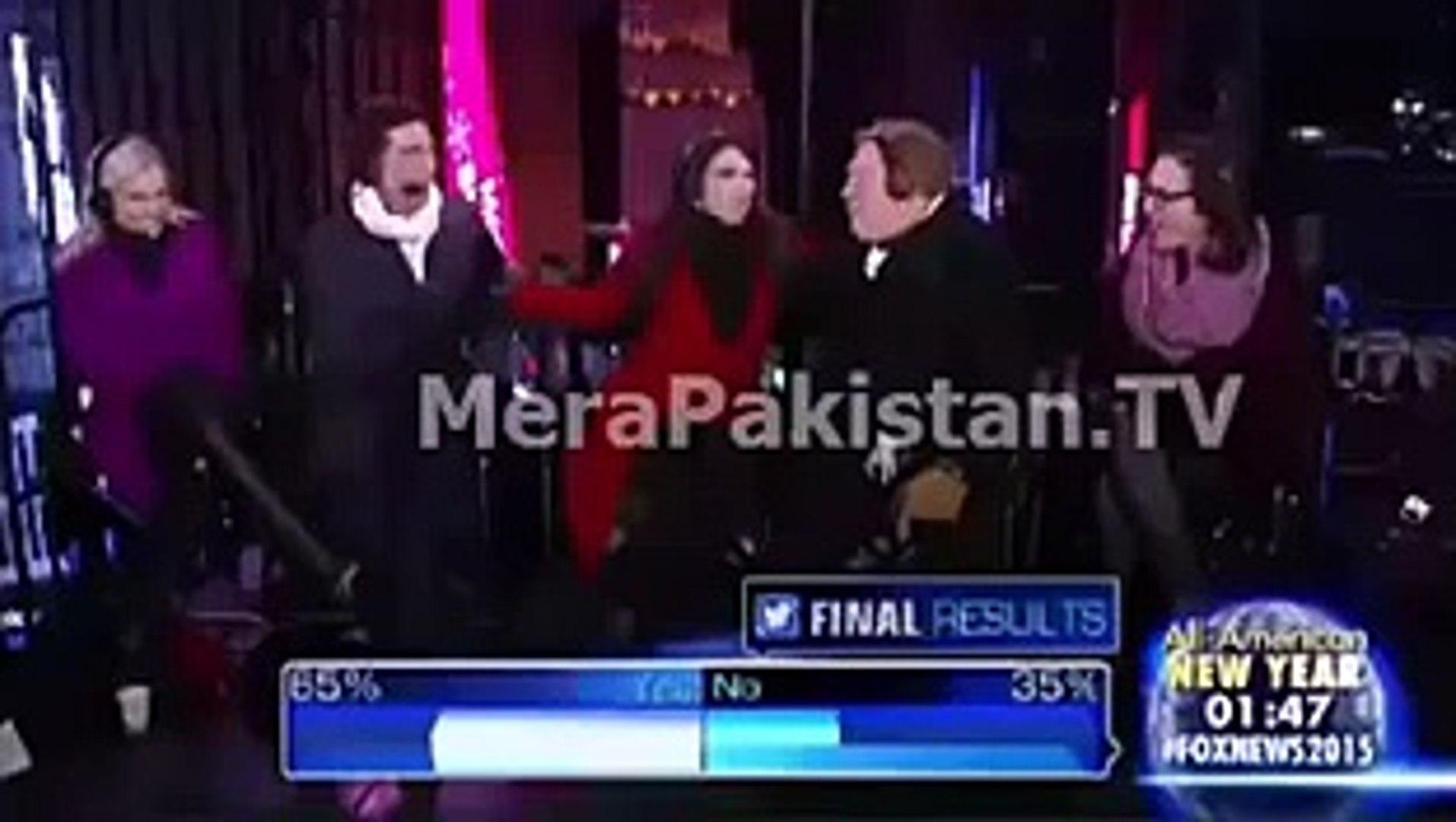 Reham-Khan-Wife-Of-Imran-Khan-Kissing-In-A-Live-Show