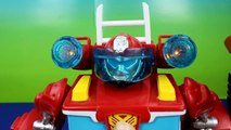 Playskool Heroes Electronic Transformers Rescue Bots Heatwave the Fire Bot robot saves fire