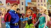 Elsa Freezes Hans After Stealing the Arendelle Diamond before he Runs Away . DisneyToysFan