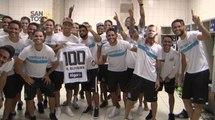 Jogadores do Santos fazem surpresa para Ricardo Oliveira em homenagem aos 100 jogos