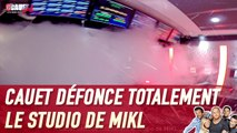 Cauet défonce totalement le studio de MIKL - C'Cauet sur NRJ