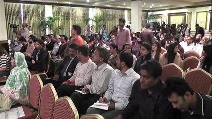 شرمین عبید چنائے کی کراچی میں پریس کانفرنس