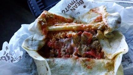 Taco Bells BEEFY CRUNCH BURRITO REVIEWED!!