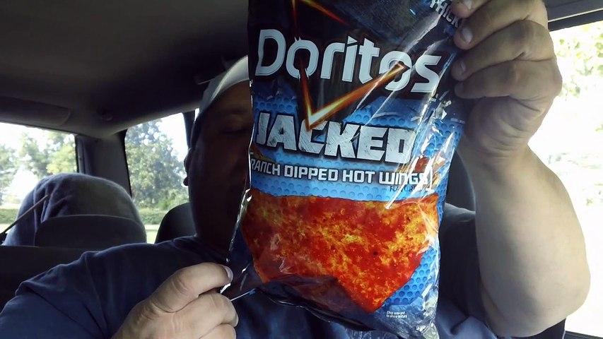 DORITOS JACKED Ranch Dipped Hot Wings Chips REVIEW!!