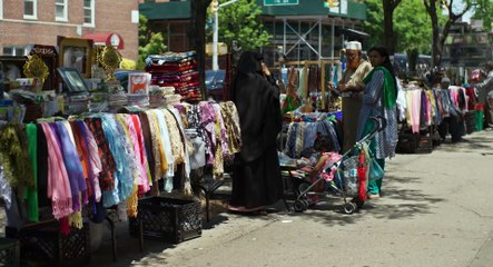 IN JACKSON HEIGHTS Bande Annonce (Documentaire - 2016)