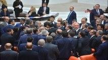 Meclis'te 'İtiş Kakışlı' Bütçe Kapanışı