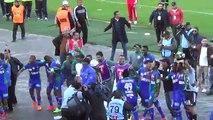 Kac vs Raja  0 - 3 , لقطة الأسبوع ، شاهد كيف إحتفل لاعبو الرجاء مع الجمهور