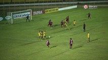 GOLEIRO, GOLEIRO... Cascata bate falta direto para o gol e Jerfesson quase se complica