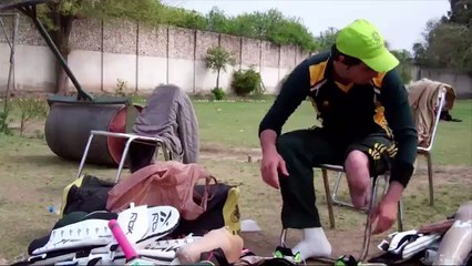 watch Sher Ali, fast bowler with prosthetic leg